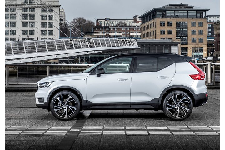 Volvo XC40: Up where the thicker cream floats | Leasing Options