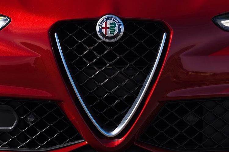 Alfa Giulia Saloon 2.9 v6 Biturbo Quadrifoglio 4dr Auto [acc] - 29