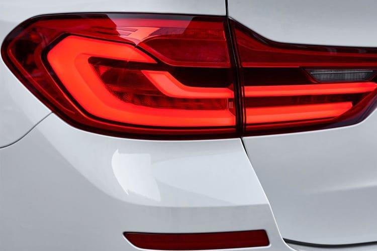 BMW 5 Series Diesel Touring 520d mht se 5dr Step Auto - 29