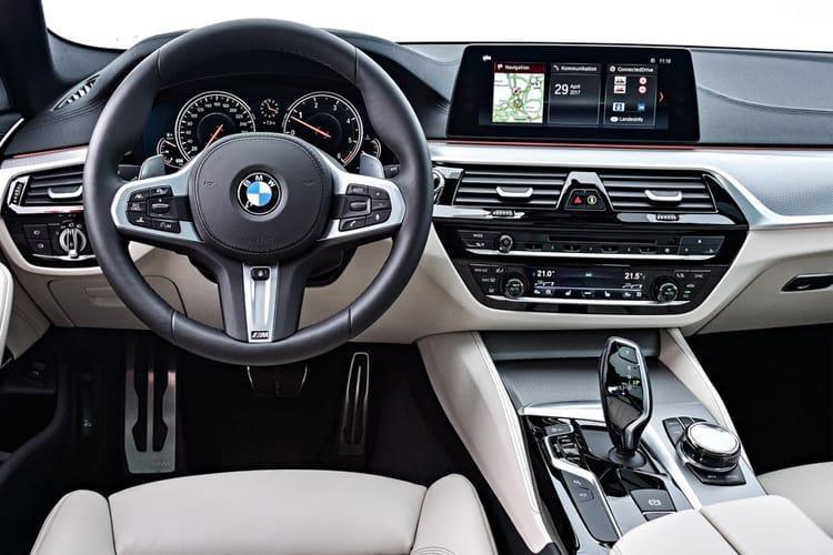 BMW 5 Series Diesel Touring 520d mht se 5dr Step Auto - 39