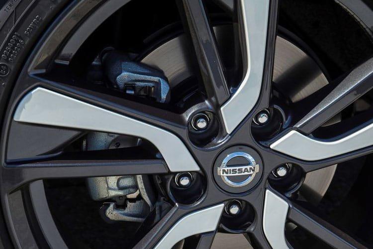 Nissan Juke Hatchback Special Editions 1.0 dig t Premiere Edition 5dr - 28