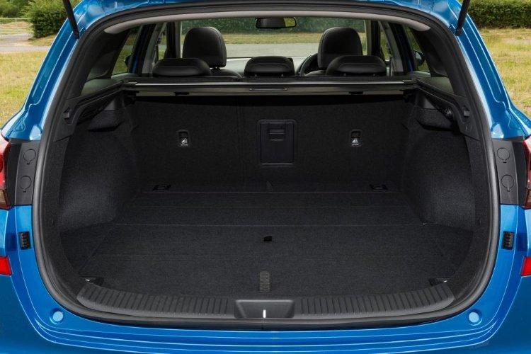 Hyundai i30 Tourer 1.4t gdi se nav 5dr dct - 12