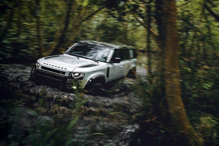 Land Rover Defender Estate 2.0 P300 110 5dr Auto [6 Seat] - 1