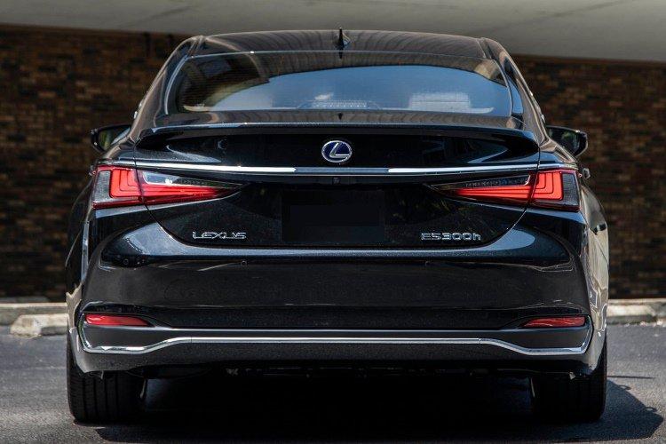 Lexus es Saloon 300h 2.5 4dr cvt - 33