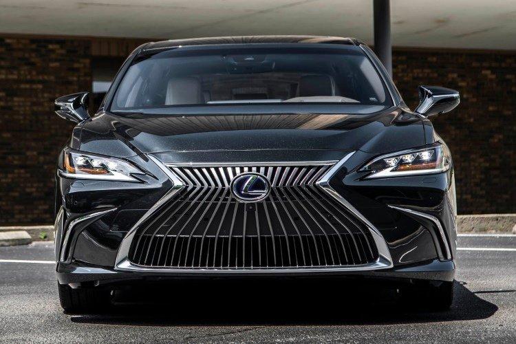 Lexus es Saloon 300h 2.5 4dr cvt - 31