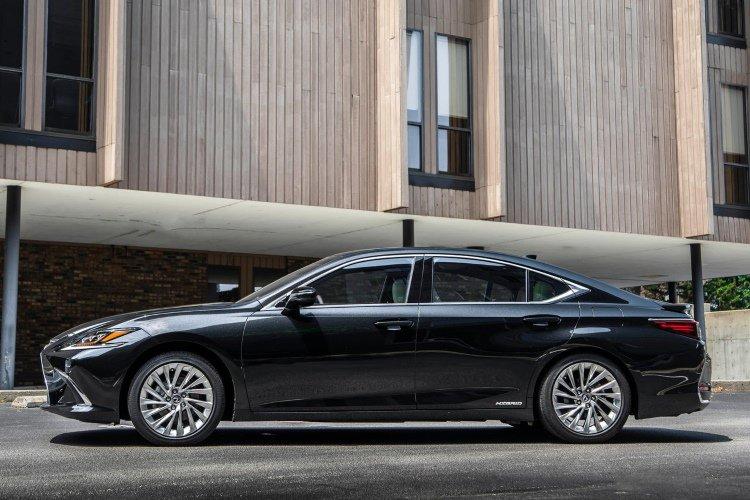 Lexus es Saloon 300h 2.5 4dr cvt - 34