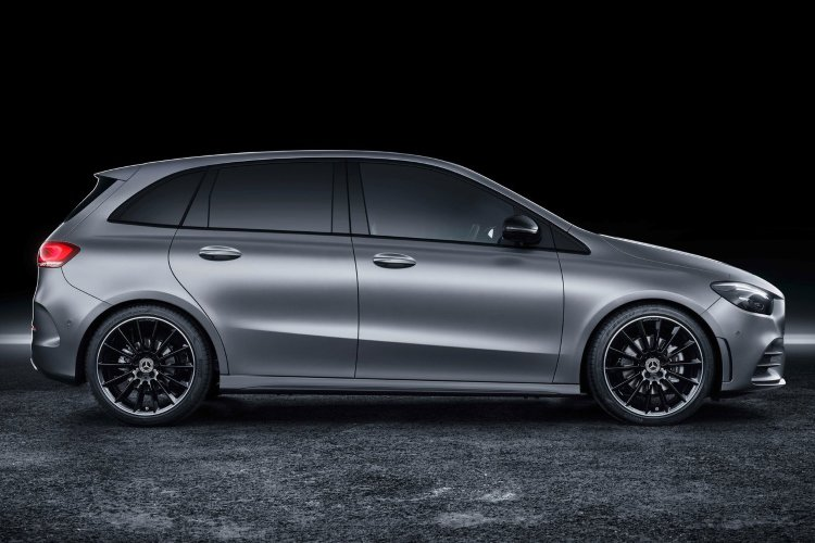 Mercedes b Class Hatchback b180 amg Line Premium 5dr Auto - 37