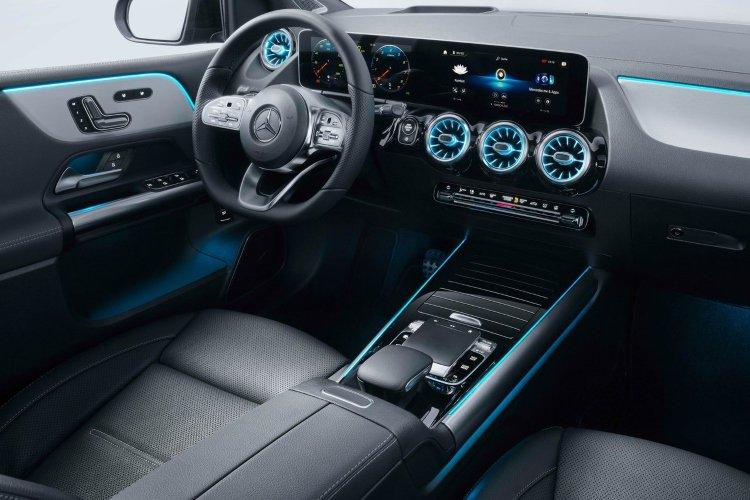 Mercedes b Class Hatchback b180 amg Line Premium 5dr Auto - 38