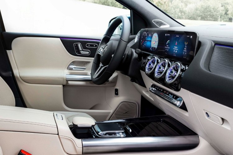 Mercedes b Class Hatchback b200 Sport 5dr Auto - 38