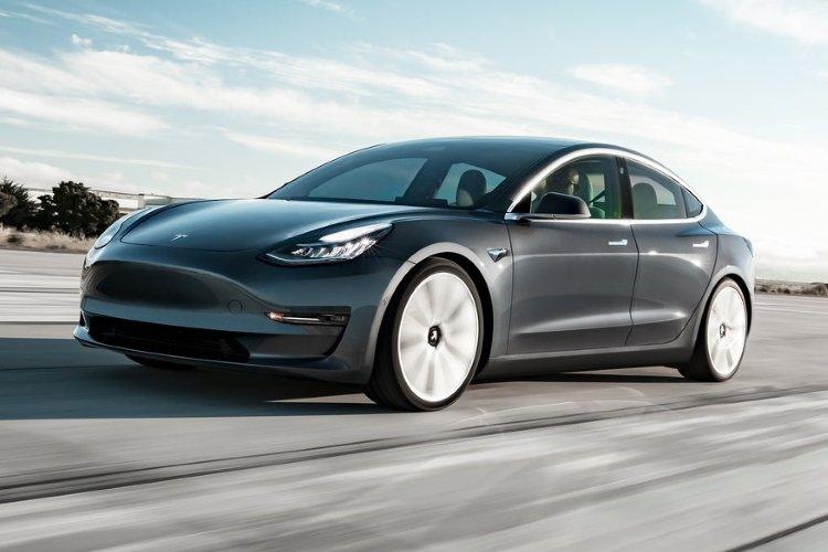 Tesla Model 3 Saloon Long Range awd 4dr Auto - 33