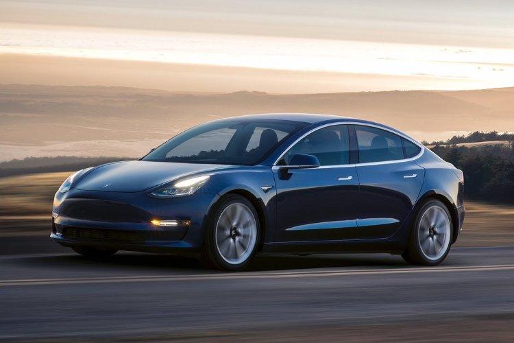 Tesla Model 3 Saloon Long Range awd 4dr Auto - 36