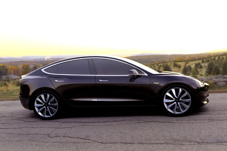 Tesla Model 3 Saloon Long Range awd 4dr Auto - 35