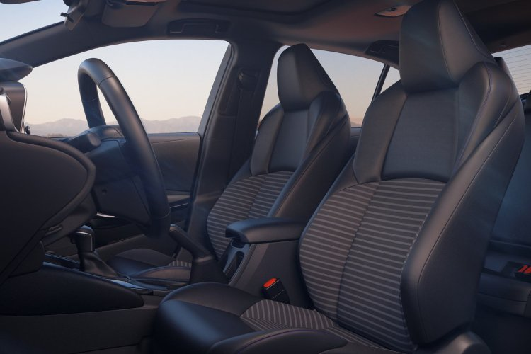 Toyota Corolla Saloon 1.8 vvt i Hybrid Icon 4dr cvt - 37