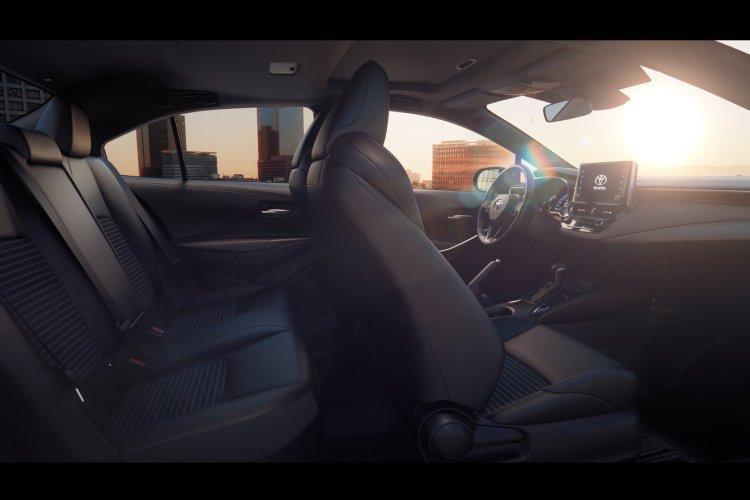 Toyota Corolla Saloon 1.8 vvt i Hybrid Icon 4dr cvt - 35