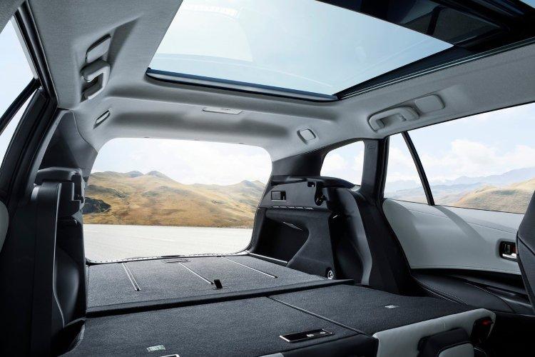 Toyota Corolla Touring Sport 2.0 vvt i Hybrid Design 5dr cvt [panoramic Roof] - 43