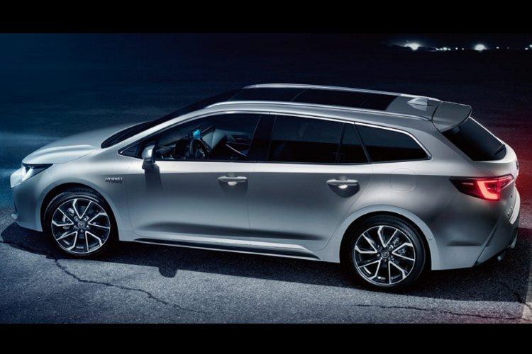 Toyota Corolla Touring Sport 2.0 vvt i Hybrid Design 5dr cvt - 37
