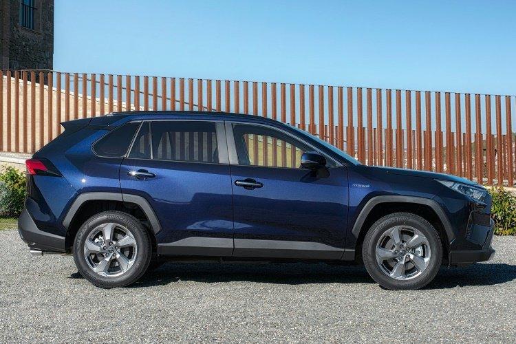 Toyota rav4 Estate 2.5 vvt i Hybrid Design 5dr cvt 2wd - 38